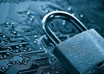 security lock on computer circuit board - computer security concept; Shutterstock ID 382458778; PO: Digital Guide